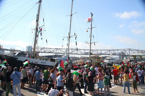 FlotillaLibertad09-RecibimientoBarcelonaEstelle2012