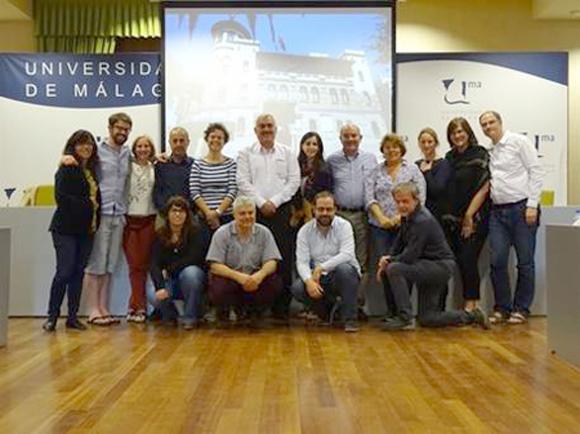 Grupo de juristas y representantes de organizaciones de derechos humanos presente en la conferencia de Málaga