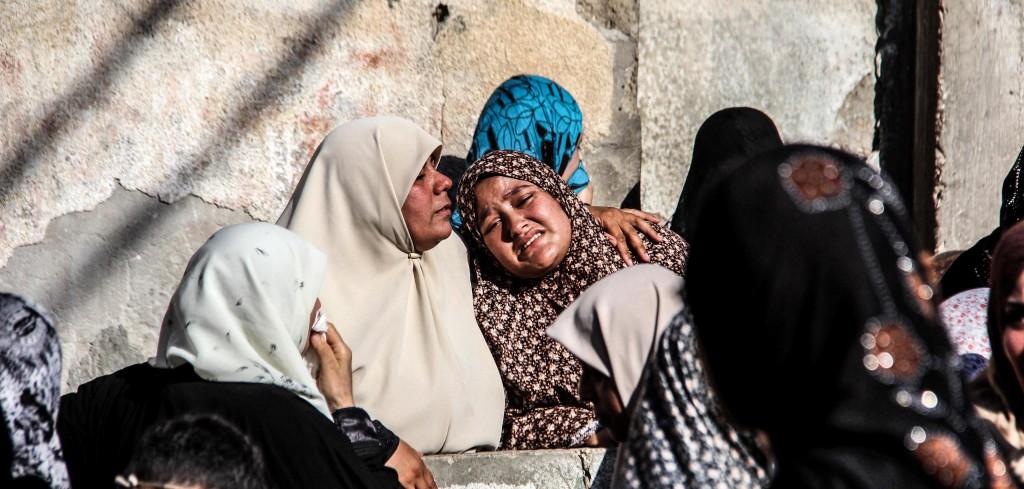Women suffering (@Samar Abu Elouf)