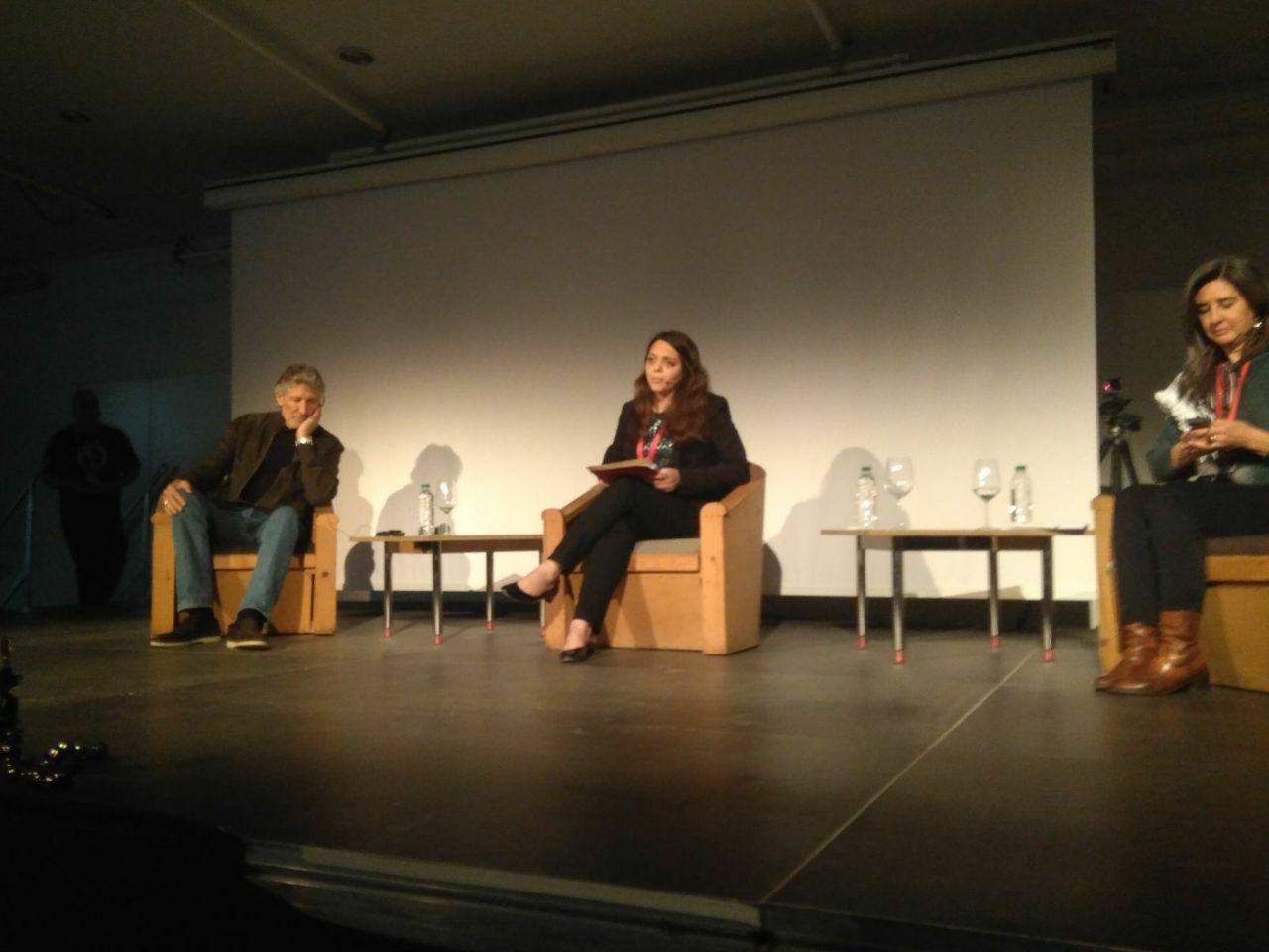Rogers Waters con Rania Muhareb, jurista de Al-Haq y Sandra Barrilaro de Rumbo a Gaza